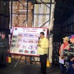 #LaFoto | Pdte. @NicolasMaduro: Se acabó la venta de productos de primera necesidad en la calle http://t.co/vWxExPaJdX