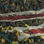 RT @DiarioOle: Los hinchas de Boca mostraron dos banderas robadas a River, que sorprendieron a todos. Mirá ▶ http://t.co/Wvb8ttsEZ7 http://t.co/S3tFQMQ8Ng