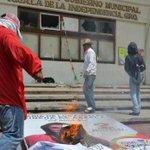 Ya son 18 alcaldías de #Guerrero tomadas por la #CETEG http://t.co/0Ln9PiFtaF http://t.co/qr3NoalTUN