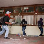 Mexico corruption: State mayor, wife issued warrants over kidnapped students http://t.co/vtiIzPgOKF http://t.co/NfeoONawp7