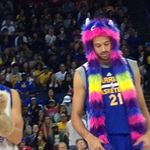 """RT @BleacherReport: VIDEO: Warriors force rookie Aaron Craft to sing """"Party in the USA"""" while dressed as a bear. http://t.co/ohRyx0zuD4 http://t.co/fiziXjkBqb"""