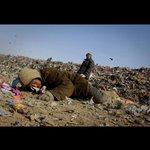 RT @Dalkhaasuren: 3 сая хүн, 60 сая малтай, 4 тэр бумын хогны ууттай тгд ийм амьдралтай ЯАГААД ийм арчаагүй юм бээ ??? http://t.co/cQESc9s4rU