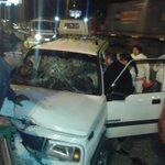 Paramédicos @Bomberos_Cuenca asisten a segunda víctima de accidente en las Américas. Ambulancia MSP llega al sitio. http://t.co/AqBYWdmqR6