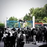El momento de la toma en @tvunam esta tarde. #AyotzinapaSomosTodos #EPNBringThemBack http://t.co/m7mQkHLLay