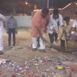 RT @RajaSinghBJP: Celebrated Deepavali with my Karayakartas and also cleaned the Crackers Litter to contribute towards #SwachhBharat http://t.co/xBTAUkcD97