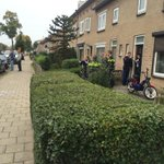 Vuurwapengevaarlijke man pleegt woningoverval in Waterstraat. #Nijmegen http://t.co/fhE5CuK0Yn