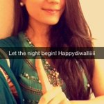 RT @wtfOMAR_: Anyone else notice this pretty ass girl on Snapchat..??? #HappyDiwali http://t.co/cfWWmlVB6l