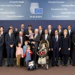 Nice pic to start the day: Family photo of the Brussels European Council summit with @euHvRs grandchildren. #EUCO http://t.co/AJCnfiX5ZK