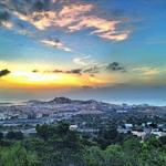 RT Amanece en Ibiza ciudad. Sunrise at Ibiza city Foto #instagram @LetoIbz http://t.co/49PwTWSTyE via @fiestahotels