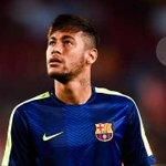 RT @TerraNoticiasBR: Às vésperas do 2º turno, Neymar declara apoio a Aécio Neves; veja anúncio da decisão em vídeo http://t.co/eBglx7Mthr http://t.co/uWLz6muxfD