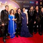 RT @Showbiz_IT: Pics:Happy New Years Dubai premiere, a grand affair http://t.co/sv4svN2kFb #ITShowbiz @HNY @iamsrk @deepikapadukone http://t.co/5sn0Xhtbe0