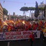 """RT @contropiano: Tomaselli (Usb). """"24-10, Uno sciopero generale contro Renzi e lUnione europea, p... #contr... http://t.co/ByvI4UcAoN http://t.co/ihieBfbDGm"""