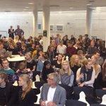 Klar til demokrati-debat på Ribe Katedralskole med @TroelsRavn og @CKjersgaard #dkpol #skolechat http://t.co/ui06l18K63