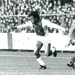 #AjaxKalender: Simon #Tahamata maakte op 24 oktober 1976 zijn debuut in #Ajax 1. Hij kwam tot 149 officiële duels. http://t.co/HfIszgTnY9