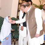 PM #NawazSharif meeting a child affected by polio on the occasion of #WorldPolioDay at the PM's House in Islamabad http://t.co/gQziTujHvW