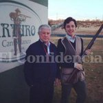 El pequeño Nicolás estaría con los reyes en los premios Príncipe de Asturias. ¿Sabes por qué? http://t.co/IhgmNBhS6e http://t.co/dGnJjmgm00