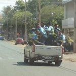 """RT @UltimaHoracom: #CiudadanoPy """"@pipeLBO12: Qué lindo ejemplo para la ciudadanía http://t.co/6xsB6ORSbA """""""