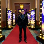 RT @MandviSharma: @TheVivaanShah at the Red Carpet of the World Premiere of @HNY #DiwaliWithHappyNewYear http://t.co/aiOijDiLUY