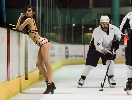 #Lingerie and #hockey, together? We think this UK label should be made honorary Canadians!  http://t.co/AK3N2iecqM http://t.co/Ct7PfJM91w