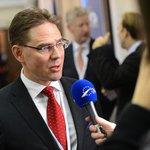 European Commission: Germany must invest more, France spend less http://t.co/PIAbeHBJL5 via @EUractiv #eupol http://t.co/TTtNK9R1v5