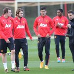 PIC: #mufc have been working hard ahead of facing Chelsea on Sunday. Well have a training gallery for you shortly. http://t.co/3NBSUCkZin