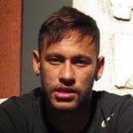 RT @RevistaISTOE: Às vésperas do 2º turno, Neymar declara apoio a Aécio Neves http://t.co/EM5gAvZQRR http://t.co/8gnfOxWHpB