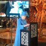 The Queen has sent her first tweet... @BritishMonarchy #royaltweet http://t.co/4Xm1H8RpDV http://t.co/R6fbnAk3aY