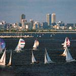 #PERTH CITY AS BACKGROUND FOR COLOURFUL YACHTS, c1985 - A reminder that summers almost here @cityofperth @tweetperth http://t.co/91fWGV7ZtX