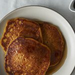 Hurry up and make these vegan pumpkin pancakes before you get pumpkined out http://t.co/cN9FMy7Axs http://t.co/EHEofp0nK2