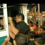 La pelea por transporte, odisea diaria. Más en http://t.co/JLZJDViD41 http://t.co/GebaQJ5hdr