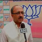 RT @ANI_news: Siddharth Nath Singh,BJP on police team attacked in Birbhum: If the WB police is not safe how can ppl n WB be safe? http://t.co/uBGmSll4PP