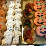 Funny #Halloween cakes @Cooplands #sheffieldissuper http://t.co/SSS14kKwk9