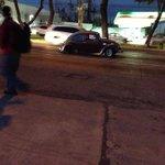 Auto pierde una llanta en carril central en Gonzalez Gallo, al cruce con Rio Reforma. Precaución http://t.co/Qc9Jp51Ugo