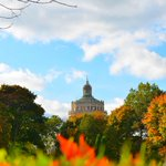 RT @UofR: TGIF! #ROC is beautiful in the fall. Proof? This weeks Photo Friday submissions: http://t.co/UJdrJf9Pvd http://t.co/JDm867mlTI