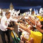 "Estamos na frente, @AecioNeves: ""Sensus/IstoÉ: Aécio tem 54,6% e Dilma, 45,4%"" http://t.co/GhI5wl0a3g http://t.co/1fG6JFo1i2"
