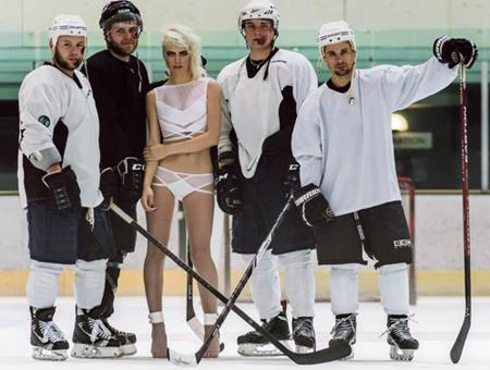 She shoots, she scores! Finally, a  #lingerie line for #hockey fans!.  http://t.co/AK3N2iecqM http://t.co/QmuMbb9RwF