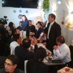 Presidente @MashiRafael almorzó con la comunidad ecuatoriana residente en #Ginebra #Suiza #GiraPresidencial http://t.co/RAU7vjBTM7