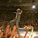 BREAKING: @KennyChesney announces The Big Revival Tour to kick off in Nashville in March 2015. http://t.co/ClLYogOqOc http://t.co/rc5fhXqYS1