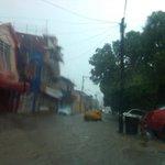 RT @DiarioPresente_: #FormulaVial Vado de agua en calle Huimanguillo antes de salir a Mario Brown   #twittab http://t.co/8NomZNEwMy