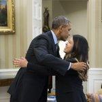 Obama se reunió en la Casa Blanca con enfermera curada de ébola Nina Pham http://t.co/dZnrz9q5pW http://t.co/D0776CHwbi