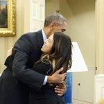 RT @el_pais: Obama recibe a Nina Pham, la enfermera que venció al ébola http://t.co/rydm4sK0wB Amber Vinson también se cura http://t.co/vTwPfFLTQd