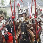 RT @kerutya: ポーランドの憲法記念日に行われたフサリアのパレード http://t.co/u8lYKlk9lt
