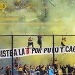 """Cada vez nos falta menos, para volvernos a ver.."""" fue el cantito de los jugadores de #Boca en el avión contra River. http://t.co/P8hLjvR3Ak"""