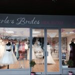 RT @carlasbrides: Our Autumn window is here..we couldnt resist a few pumpkins in our display;) #westbridgford #bridalshop #nottingham http://t.co/vvS6N1F5FF
