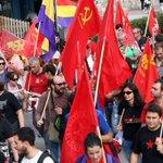 """RT @elentirvigo: ¿Esta protesta en Oviedo es porque el evento se llama """"Premios Príncipe de Asturias"""" y no """"Premios Vladimir Lenin""""? http://t.co/h0SzGnkhHN"""
