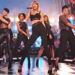 "Videos: @TaylorSwift13 performs ""Shake It Off"" & ""Out of the Woods"" on @JimmyKimmelLive! http://t.co/gzmLuFv9i4 http://t.co/HaXDOp0uO1"