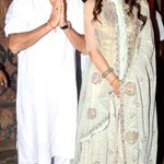 : @sonamakapoor's Diwali party: Crackers, diyas and a dress code of pristine white IN PICS: http://t.co/g0m2NEkS2A