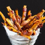 Bacon-wrapped fries, bourbon burgers and 8 other decadent ways to celebrate #GreasyFoodsDay http://t.co/ORKyPHqJ2f http://t.co/HBWlDB9jN5