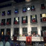 L@alcalde_gi dóna la benvinguda i dóna pas a Alegria, el primer tema que canta el @corgeriona #FiresGirona http://t.co/8bZizplstS