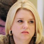 RT @lgbtqnation: #Florida AG Pam Bondi asks federal court to keep #gay marriage ban in place - http://t.co/GdYFx8sPU6 http://t.co/OSa18yl11G
